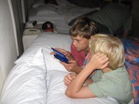 Hawaii_vacation_2005_day_1_psp_in_bed